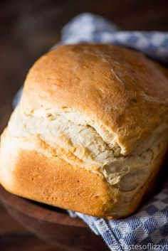 My grandma's easy country white bread recipe. This is a thick, rustic bread with perfect texture and flavor. Make in the bread machine or in the oven. Country White Bread Recipe, Country Bread, Rustic Bread, White Bread Machine Recipes, Bread Recipes, Baking Recipes, Bread Recipe By Weight, Bread Dough Recipe, Homemade White Bread