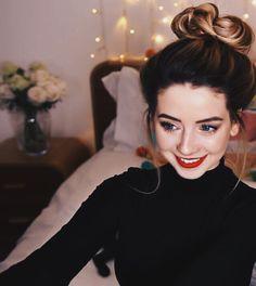 zoe sugg   Tumblr Zoella Makeup, Zoella Hair, Zoella Beauty, Hair Makeup, Hair Beauty, Joe And Zoe Sugg, Spring Hairstyles, Celebs, Celebrities