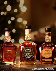 It's the most wonderful time of year to share the taste of Jack Daniel's with friends and family. The holiday season is always merry and bright when you bring Jack Daniel's home for the holidays. Cocktail Drinks, Fun Drinks, Alcoholic Drinks, Cocktails, Thanksgiving Dinner Recipes, Thanksgiving Table Settings, Thanksgiving Crafts, Thanksgiving Decorations, Jack Daniels Distillery