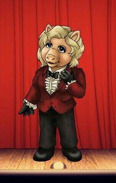 DOCTOR 3 MISS PIGGY - 'Jon Pertwee'.