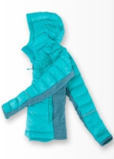insulated for warmth, this is the perfect winter run or post-sweat layer.   Up To Snow Good Pullover