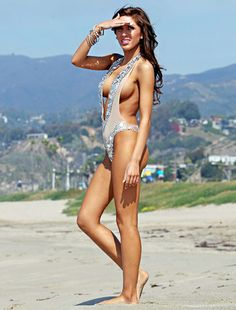 Teen Mom star Farrah Abraham- yeow, THAT'S how her boob job turned out...