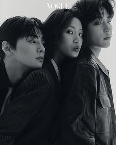 Korean Drama Best, Cha Eun Woo Astro, Handsome Korean Actors, Poses References, Vogue Korea, Kdrama Actors, Korean Celebrities, True Beauty, Real Beauty