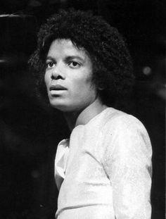 Janni Tholstrup Jorgensen uploaded this image to 'Michael Jackson - The Jacksons Era'.  See the album on Photobucket.