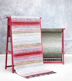 I love the easel idea for a rug display; use as a fireplace screen in the off-season.