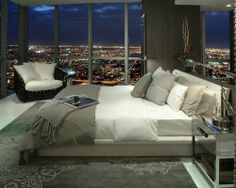 I need a city apartment with a view like this at least once in my life <3