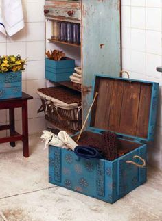 Artesanato com malas e baús antigos 009