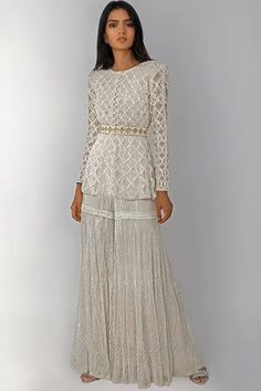 Dress Indian Style, Indian Fashion Dresses, Indian Designer Outfits, Pakistani Formal Dresses, Pakistani Outfits, Ethnic Outfits, Ethnic Dress, Diwali Outfits, Sharara Designs