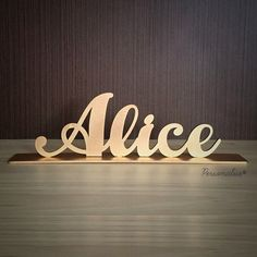 Nome Alice com base Baby Name Signs, Baby Names, Alice, Nursing Dress, Baby Accessories, Cnc, First Birthdays, Origami, Kids Room