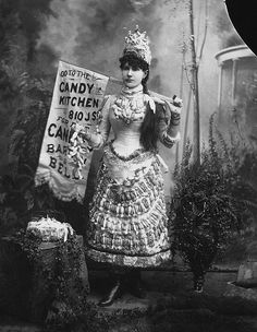 Dress made of candy! Edwardian era: Candy Kitchen Girl, 1902 (looks earlier to me. Vintage Pictures, Old Pictures, Vintage Images, Old Photos, Antique Photos, Victorian Fancy Dress, Victorian Life, Victorian Women, Black White Photos