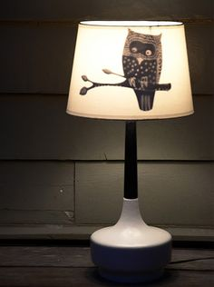 easy and spooky owl shade transform your table lamp to piece of art halloween decoration Diy Halloween Decorations, Handmade Decorations, Halloween Diy, Owl Decorations, Halloween Fonts, Decoration Restaurant, Cricut, Lamp Shades, Diys