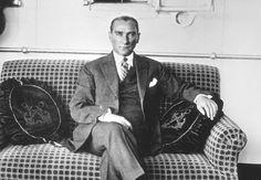 Mustafa Kemal Ben-Avi ile görüştü mü? :http://fikrikadim.com/mustafa-kemal-ben-avi-ile-gorustu-mu/