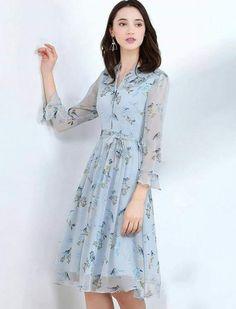 Shop Cute Dresses online in Australia Floral Embroidery Dress, Floral Lace Dress, Pretty Outfits, Pretty Dresses, Beautiful Dresses, Women's Fashion Dresses, Casual Dresses, Summer Dresses, Blue Chiffon Dresses