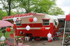 Someday Come Soon: WANDERLUST WEDNESDAY: VINTAGE CAMPERS