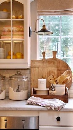 Great Kitchen Counter Decor Ideas! #antiquemarketdecor