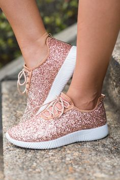 61 Ideas for sneakers dress rose gold Cute Sneakers, Dress With Sneakers, Cute Shoes, Sneakers Fashion, Me Too Shoes, Rose Gold Shoes, Sparkly Shoes, Rose Gold Colour, Rose Gold Outfits