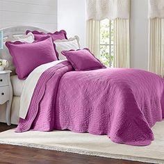 Brylanehome Florence Bedspread BrylaneHome http://www.amazon.com/dp/B00Q8QPY7O/ref=cm_sw_r_pi_dp_deZVub13667F8