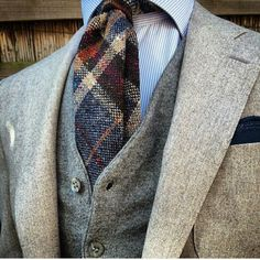 One of our favourite looks http://www.memysuitandtie.com/