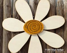 LARGE 22 inch wood daisy FLOWER spring cream white door hanger decor hanging wardrobe - Decor With Wood Rustic Wood Decor, Rustic Crafts, Pallet Crafts, Wooden Crafts, Rustic Signs, Diy Wood, Wood Yard Art, Fence Art, Daisy Art