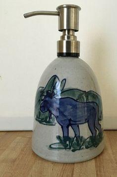 8-inch Soap Moose Soap Dispenser Moose Elegant Square Soap Dispenser with Moose Design
