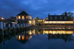 The Black Dog Tavern, Martha's Vineyard MA at night by Flickr Avatar