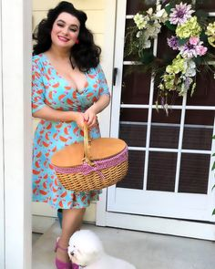 🍉We are ready for our picnic🍉 . 📸by my sweet hubby Outfit by . Curvy Outfits, Hot Outfits, Pinup Photoshoot, Picnic Outfits, Bichon Frise, Pin Up Style, Pin Up Girls, Rockabilly, 1950s