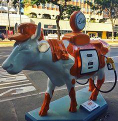 """486 curtidas, 5 comentários - Cidade da Garoa (@cidadedagaroa) no Instagram: """"Credit to @solangesantos2016 Vaca 54: Cowbustível - CowParade São Paulo 2017 . Bom dia Sampa! Mais…"""""""