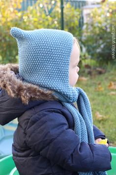 Scarf-hood for a child to knitting. There by alice gerfault Merino Wool Blanket, Alice, Crochet Baby, Winter Hats, Knitting, Children, Diy, Felting, Hat Patterns