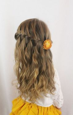 Hairstyle – Tresses : tresse-en-cascade-et-cheveux-legerement-ondules-coiffure-petite-fille-mariage-co Hairstyle Braids: braid-in-cascade-and-hair-slightly-wavy-hairstyle-granddaughter-wedding-co Easy Hairstyles For Long Hair, Modern Hairstyles, Little Girl Hairstyles, Cute Hairstyles, Braided Hairstyles, Wedding Hairstyles, Hairstyle Ideas, Beautiful Hairstyles, Medium Hair Styles