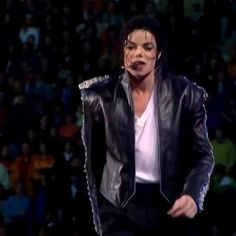 Michael Jackson Story, Michael Jackson Youtube, Photos Of Michael Jackson, Mike Jackson, Michael Song, Reggae Music Videos, King Of Music, The Jacksons, First Novel