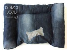 Jeans dog bed, Large, Custom made, Denim, Dog bedding, Cat bed, Cat bedding, Blue, Bone decoration, Comfortable, Upcycled, Repurposed