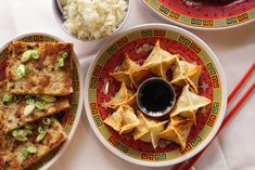 For plenty of New Yorkers, Christmas day means a Chinese food feast. Chinese cuisine on Christmas is a long-loved Jewish tradition, and there are plenty New Fruit, Chinese Restaurant, Yogyakarta, Healthy Alternatives, Popular Recipes, Food Items, Chinese Food, Vegetarian Recipes, Keto Recipes
