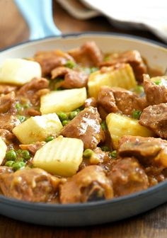 Sinantomas with tasty pork ribs and potatoes braised in soy sauce, pineapple juice, ketchup, and cheese. It's sweet, savory and perfect with steamed rice.