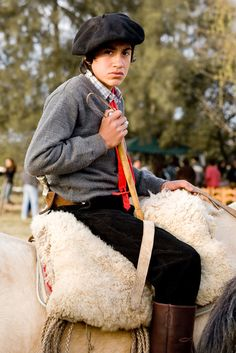 In Argentina they celebrate Gaucho festival May 25 Declaration of Independance. Central America, South America, Rio Grande, Argentina Culture, Argentine, Argentina Travel, San Antonio, People Of The World, World Cultures