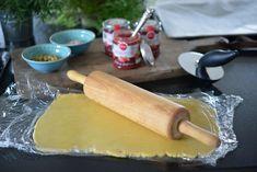 Skikkelig gode gammeldags bringebærkaker - Franciskas Vakre Verden Rolling Pin, Rolls, Food And Drink, Cheese, Baking, Desserts, Tailgate Desserts, Patisserie, Dessert