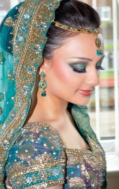 Indian bride in stunning aqua hues