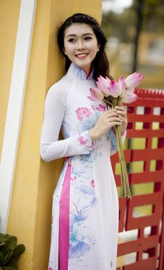 Lovely girl with lotus flower wallpaper download