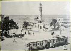 Konak Meydanı, 1950'li yılların başı. Historical Pictures, Old Photos, Istanbul, Greece, Old Things, Black And White, History, Pictures, Old Pictures