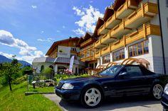 #Hoteleingang #Cabrio #Treffen #Glocknerhof www.glocknerhof.at