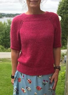 Tara-toppen Knitting For Kids, Knitting Projects, Knitting Patterns, Unique Outfits, Knitwear, Winter Outfits, Knit Crochet, Alpacas, Tees
