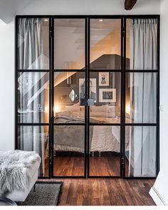 """361 Synes godt om, 21 kommentarer – Ulrika Jakobson (@33kvadrat) på Instagram: """"Fint med glasdörrar till sovrummet 👌🏼bild @alexanderwhitesthlm #hemnet #inredning #interior4all…"""""""