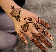 Explore latest Mehndi Designs images in 2019 on Happy Shappy. Mehendi design is also known as the heena design or henna patterns worldwide. We are here with the best mehndi designs images from worldwide. Henna Hand Designs, Modern Henna Designs, Mehndi Designs Finger, Simple Arabic Mehndi Designs, Mehndi Designs For Fingers, Beautiful Henna Designs, Tattoo Designs, Beautiful Mehndi, Dulhan Mehndi Designs