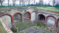The remains of Crystal Palace train station in London Vintage London, Old London, Crystal Palace, Hyde Park, Old Train Station, Train Stations, Bus Station, London History, Local History
