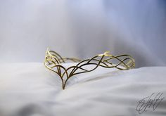 Royal Crowns, Tiaras And Crowns, Fairy Jewelry, Fantasy Jewelry, Head Accessories, Bridal Hair Accessories, Elven Queen, Wedding Tiara Hairstyles, Metal Crown