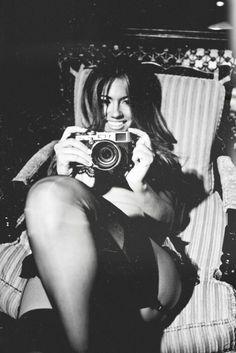 enjoying Vintage Cameras, Old Cameras, Portraits, Picture Photo, White Picture, Photo Black, Photo Shoot, Aperture, Fuji X100
