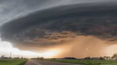Ominous Supercell Thunderstorms Animated from a Single Photograph by Mike Hollingshead  http://www.thisiscolossal.com/2015/01/animated-supercell-thunderstorms/
