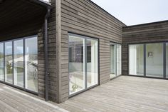Måla | Riddarebo.se Cabin Design, Small House Design, Exterior Design, Interior And Exterior, Modern Wooden House, Small Cottages, Facade House, House In The Woods, Future House