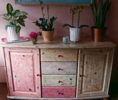 Kunterbunt umdesigned: So macht man eine Pippi-Langstrumpf-Kommode #DIY #upcycling #Möbel