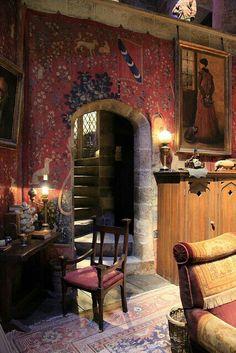 Gryffindor commom room