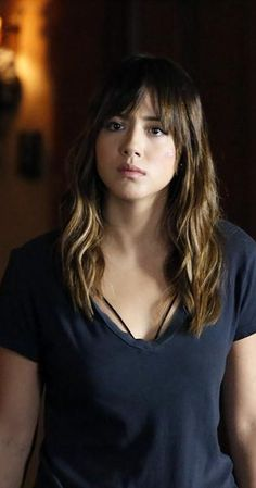 Pictures & Photos of Chloe Bennet - IMDb Girl Celebrities, Beautiful Celebrities, Beautiful Women, Chloe Bennett, Bad Hair Day, Sensual, Blue Hair, Pretty Woman, Hair Beauty